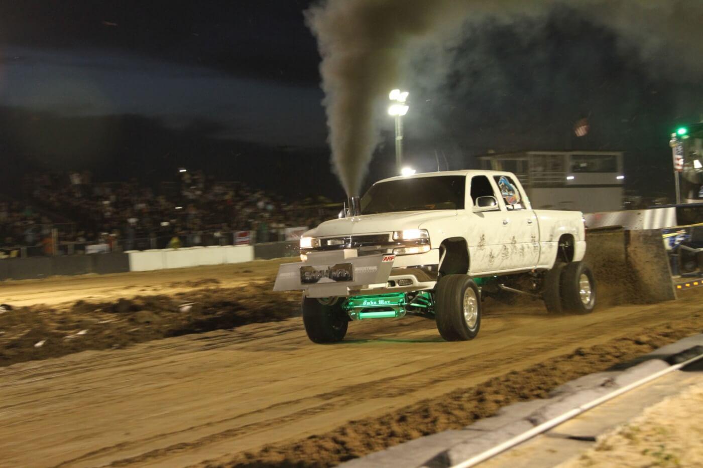"""John Esteves brought his 1,000-hp 3.0-class """"Smokin' Max"""""""
