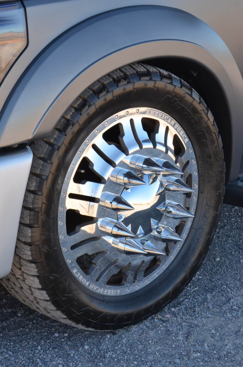 The lug nut spikes are a perfect touch adding to the Mini-Semi theme.