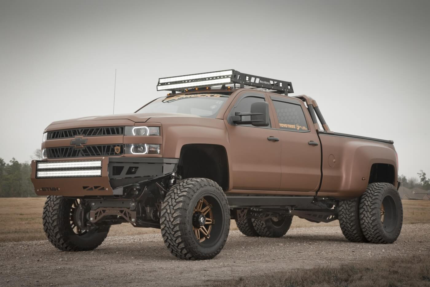Starting life as an off-the-lot 2015 Chevy Silverado 3500HD, this truck has solid roots. Robbie Bryant developed a concept to take it to the next level, and with some help from a few friends in the business, built this unique 4x4.