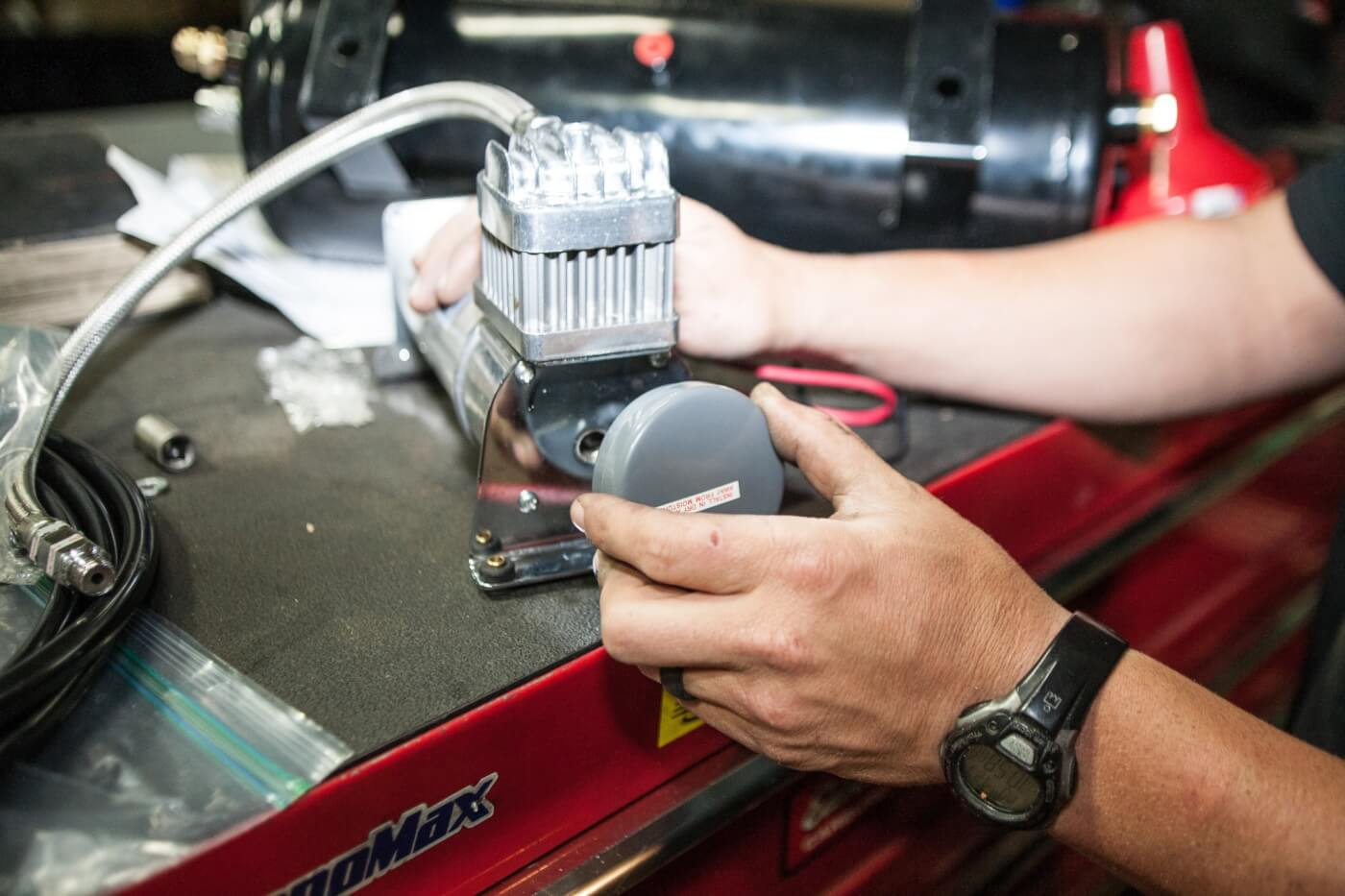 9. Kleinn goes above and beyond with all of its kits, perfecting every little detail. Here's a nice feature: a replaceable air filter for the air compressor. If you run your truck off-road, consider this feature a must-have for keeping the compressor clean and healthy.