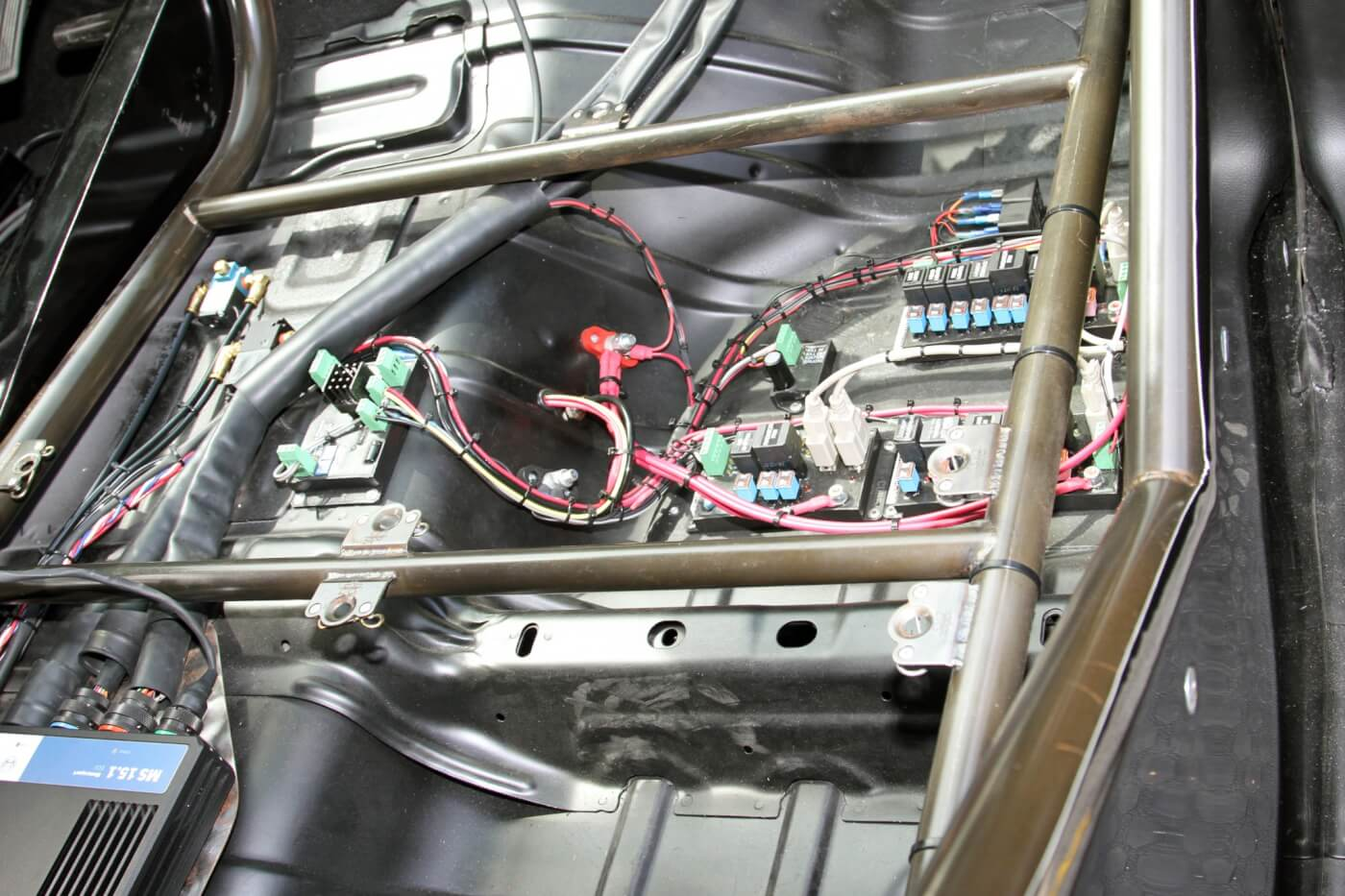 The Spaghetti Menders wiring harness and Bosch ECU combine to handle all electronic controls in the truck, including the engine, transmission and staging system, as well as other functions like shifting.