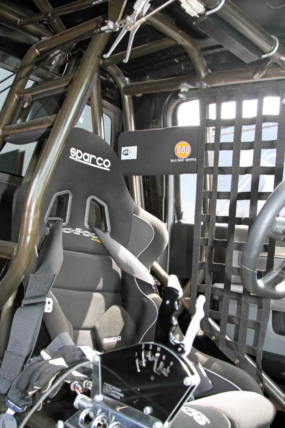 Tony Durhammer wrapped the roll cage around the Sparco Pro2000 race seat to provide Milliken with plenty of protection.