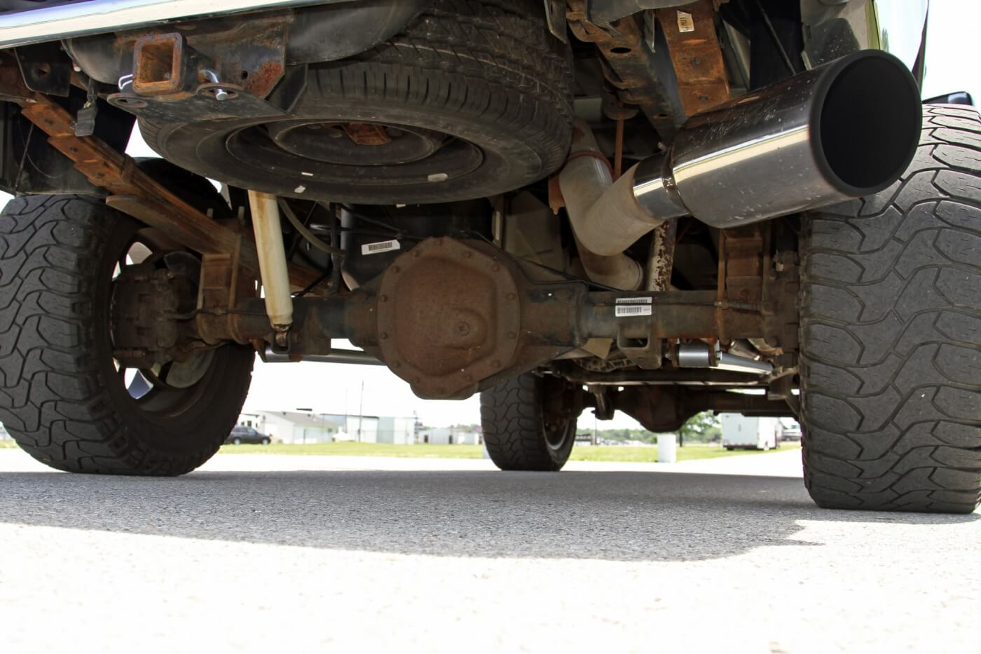 Looking at the rear side of the axle, you can see the 4-inch exhaust system capped off with a 7-inch polished tip.