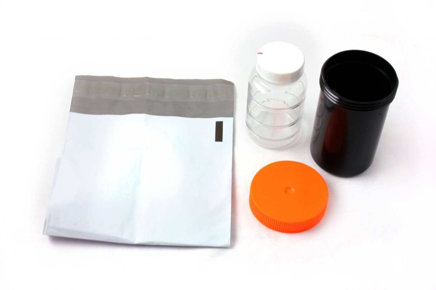 1. The oil analysis kit from Merchant Automotive includes the sample bottle, shipping container and a postage-paid shipping envelope to send the sample to Apex for analysis.