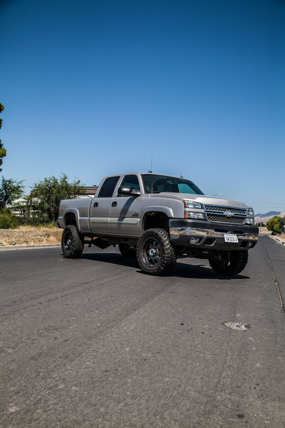 Matt Kutchera's LLY-equipped 2005 Silverado 2500 LTZ is fully loaded, has  ridiculously low