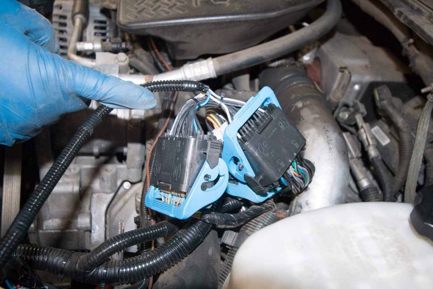 11. Don't forget to plug the main SpeedBrake harness cables into the appropriate OEM plugs. The quality of the Banks connectors is unparalleled.