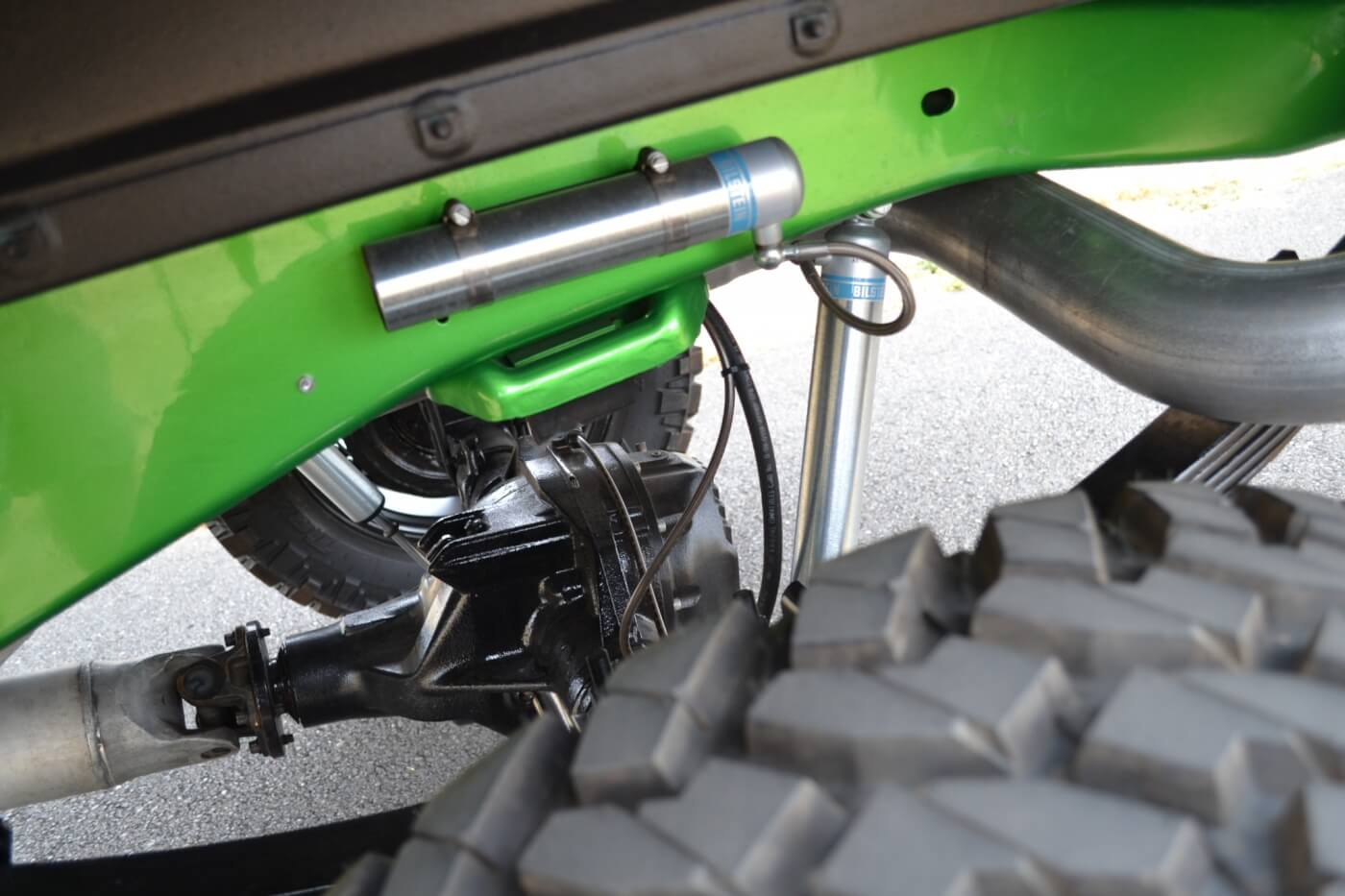 Bennett went with a Ford axle for the back of the truck too, which is suspended from the Synergy Green frame with a set of Superlift leaf springs and Bilstein 5100 reservoir shocks.