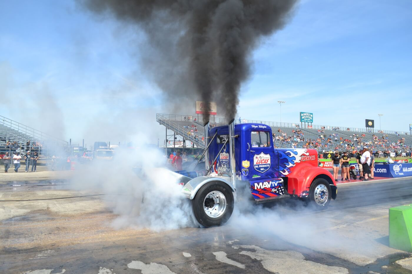 In addition to the pickups, two classes of semi trucks were in attendance at the World Finals. Wayne Talkington took the win in the Hot Rod Semi class, with an impressive 12.14-second elapsed time in the finals.