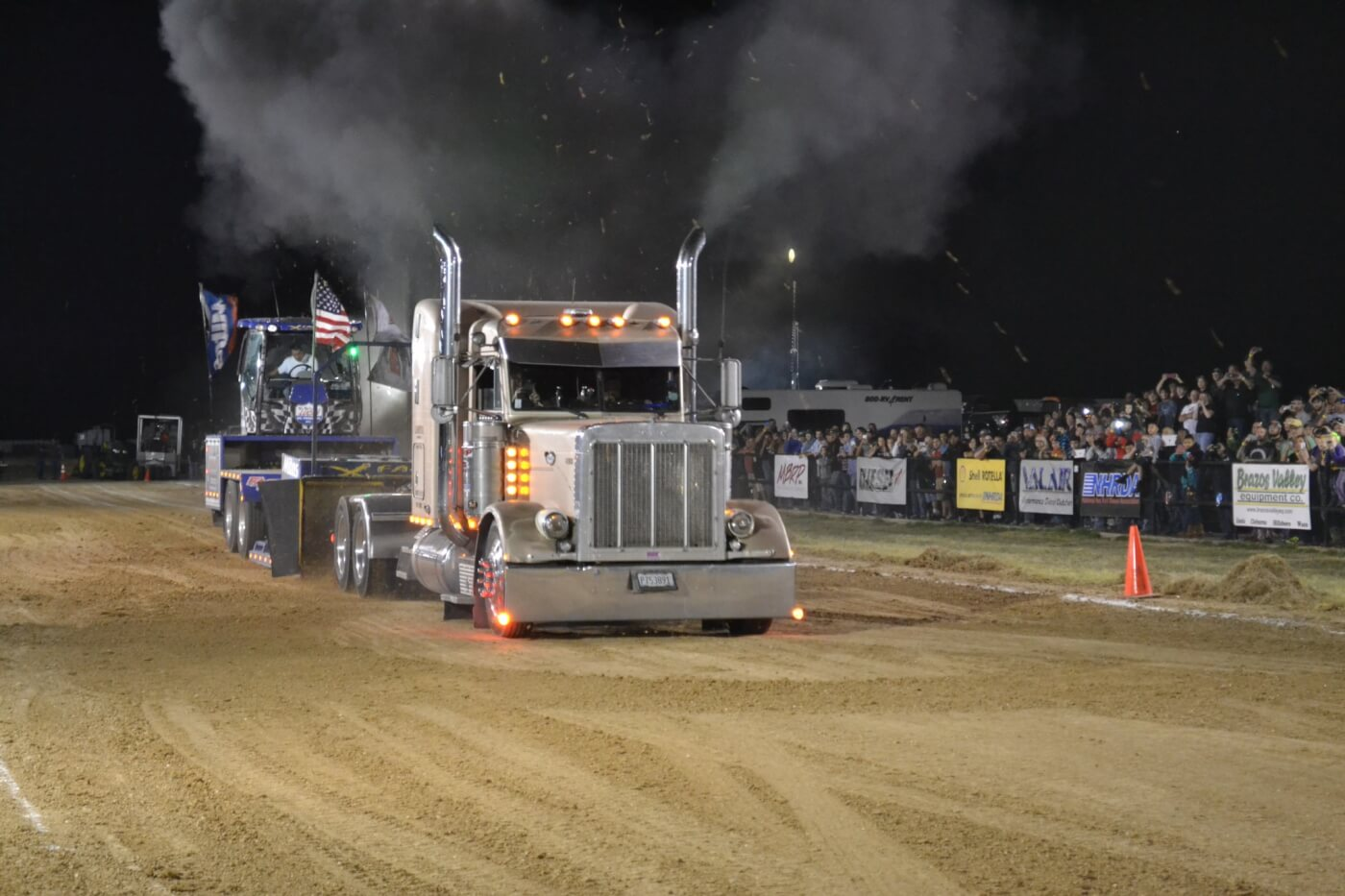 Modified semis got into the action at the World finals, with real work trucks like Rick Fenwick's gear-banging Peterbilt. Many drivers chose to shift two or three gears while heading down track, which made for quite the spectacle.