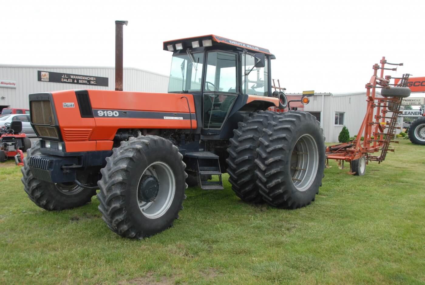 With a 119-inch wheelbase, the 9120 is a long tractor. That was a good thing from the weight balance and ride comfort standpoints, but made for a wide turning circle. This tractor weights more than nine tons before weight are added. It came standard with AWD and an 18-speed partial power shift transmission. This one has already lived a life of hard work but is not done yet. The rear dual radial tires make this a tractor that's still up to long days in the field with big implements and tough ground. It's seen here on AGCO Dealer J.L. Wannamacher's lot in Ottoville, Ohio.
