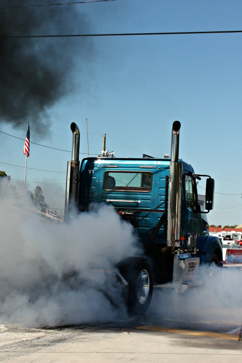 As a true diesel event, anything that ran on diesel was welcome to enter and compete and this short bobtail Volvo came ready to compete. The big power under the hood packed a punch and pushed this semi to low 13s, made for some awesome burnouts too.