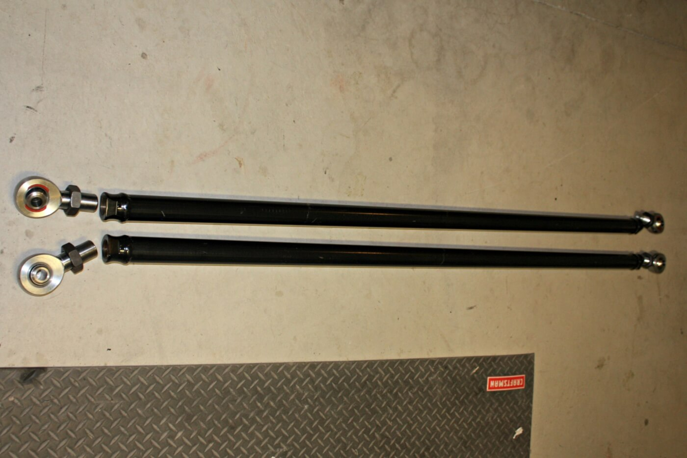6. For GM applications, Longhorn Fab Shop offers two lengths of traction bars, both offered in their standard or professional grade kits. For short bed trucks, a 72-inch bar and long bed applications get an 86-inch bar. The 2-inch heavy wall tubes are pre-welded with threaded bungs and powdercoated.