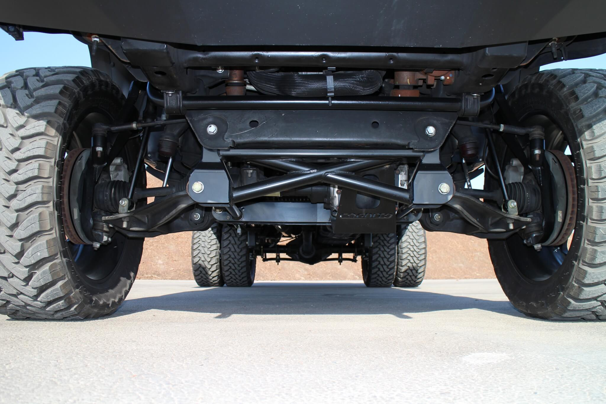 Underneath, an Cognito 7-inch lift kit was installed to elevate the Silverado to its new heights. The kit includes a front suspension drop cradle that lowers the suspension pickup points, as well as upper control arms, differential relocating mounting bracket, a beefier sway bar and longer end links.