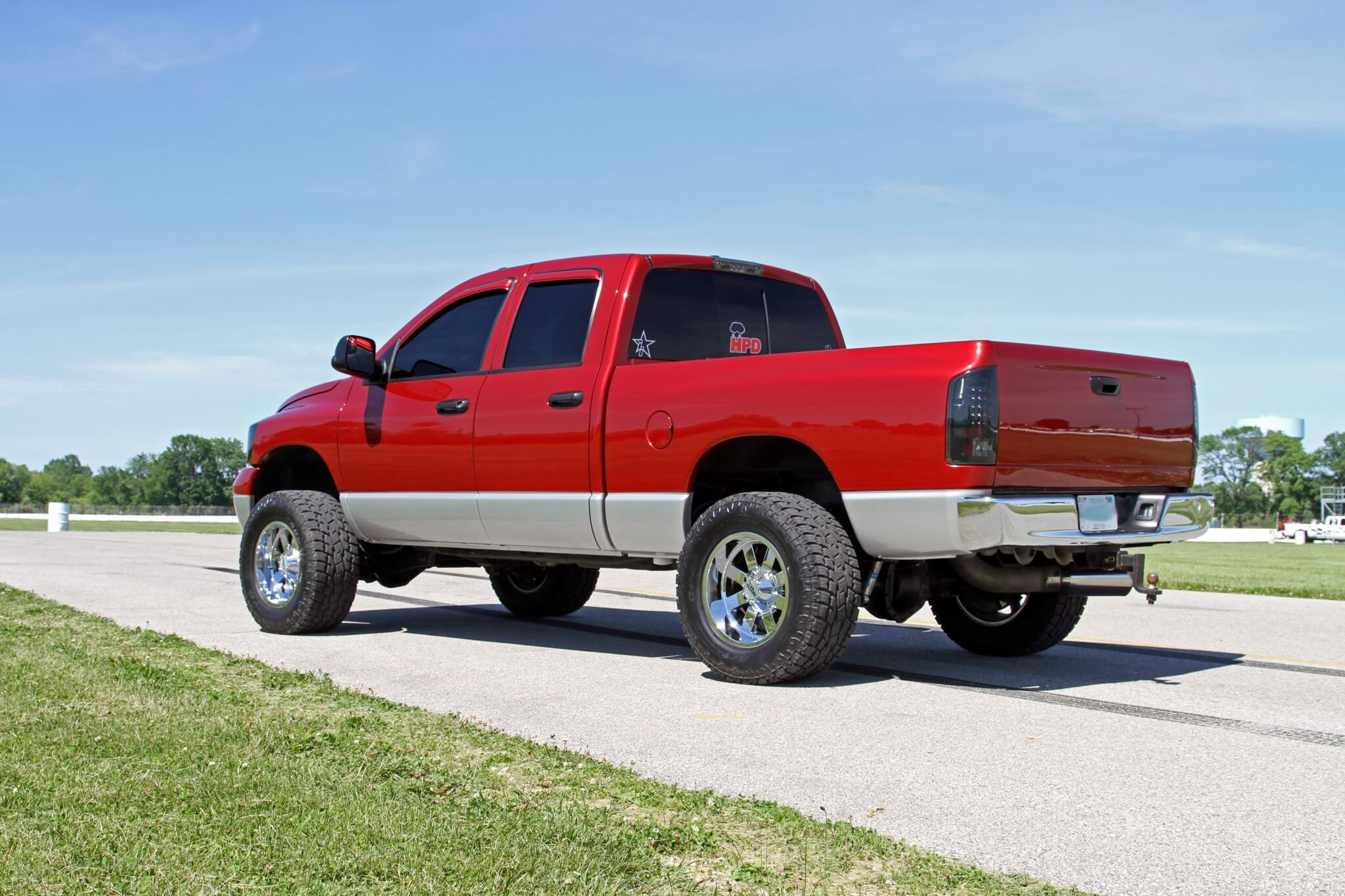 Two Tone Looker A Beautiful 20075 Dodge Ram 2007 Rear Bumper Chases Truck Looks Great From All Angles Here You Can See The Train Horns Peeking
