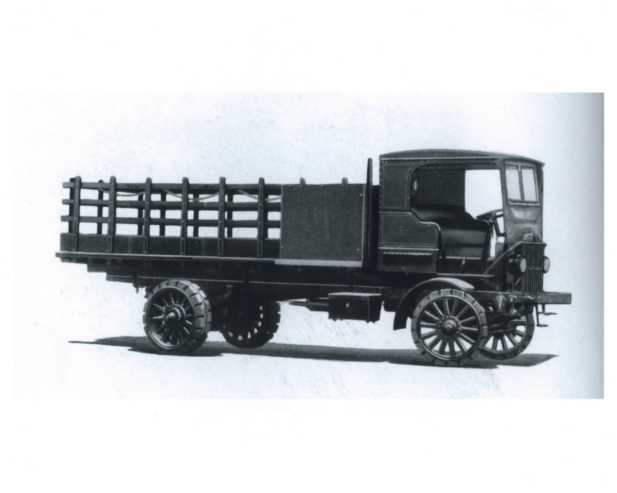 The firm's fifth-year offering of their Type XXVIL platform. Introduced in 1920, this platform was offered in 2- and 5-ton versions as shown here. Units were powered by initially by inline four-cylinder mills, six-cylinder powerplants were added for greater GVW and chassis length. Autocar was a leader in popular cab-over production.