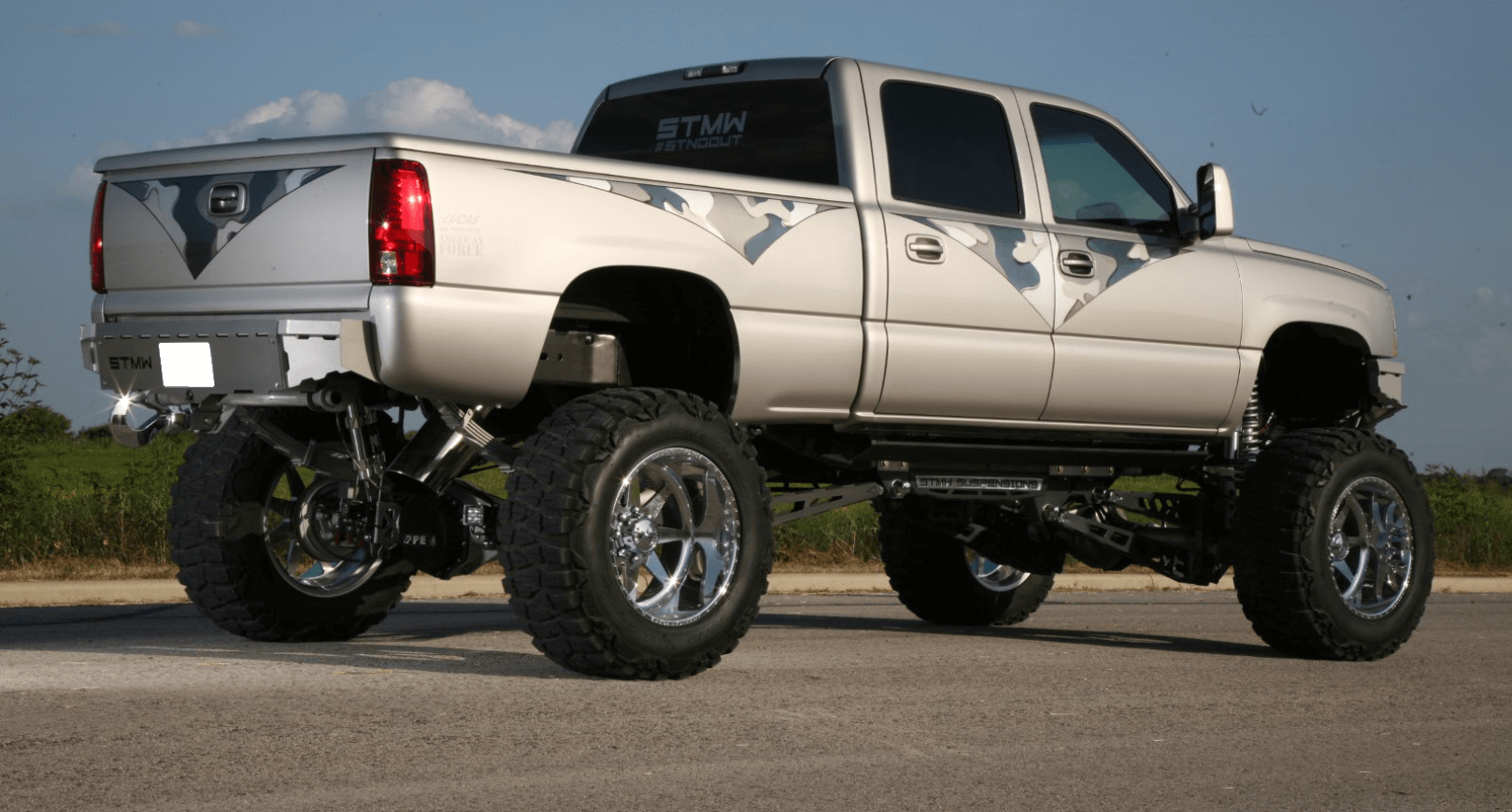 Subtle graphics allow the detail work on the ShowTime Metal Works bumpers and suspension to be the focal point of the truck.